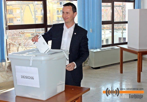 Mirko Ćurić glasao u Domu penzionera