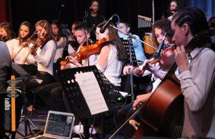 Оркестар требињске гимназије одушевио публику (ФОТО/ВИДЕО)