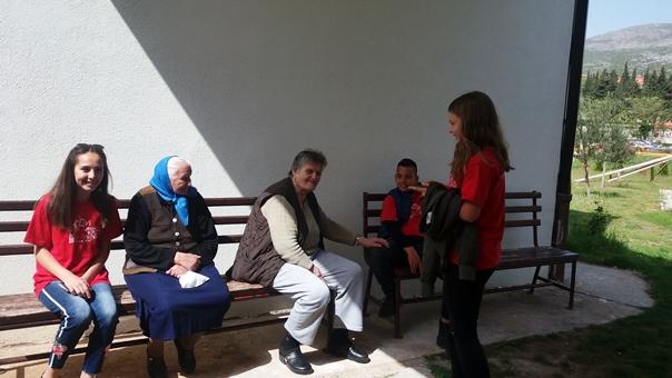 GO Crvenog krsta: Mladi u posjeti starim osobama
