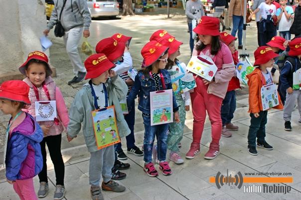 Акцијом уређења града обиљежен Међународни дан планете земље