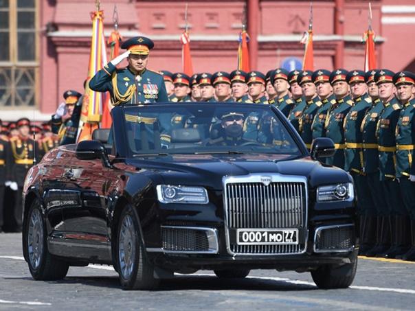 Нова Путинова лимузина на Црвеном тргу