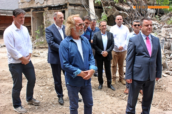 Rodoljub Drašković finansira obnovu Titove vile na Tjentištu (Foto)