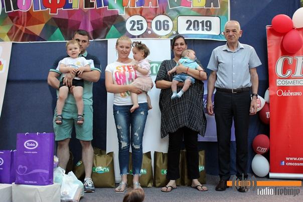 "Trebinje dobilo novo ""tročlano predsjedništvo"" beba (FOTO)"