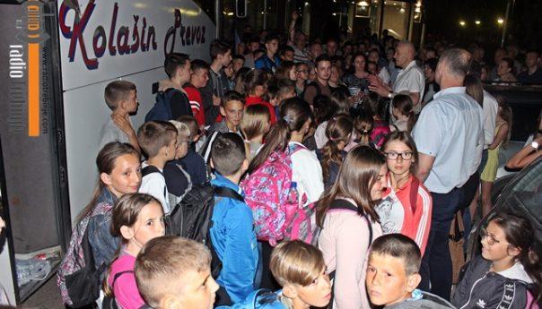 Trebinjci opet pokazali veliko srce: UGOSTILI PEDESETORO DJECE SA KOSOVA I METOHIJE (FOTO)