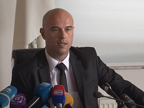 Тегелтија: Устав не допушта мијешање у рад правосуђа