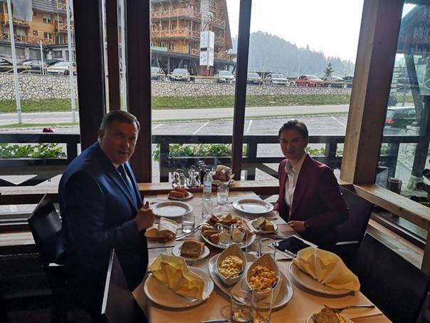 Dodik i Brnabićeva na radnom doručku na Jahorini