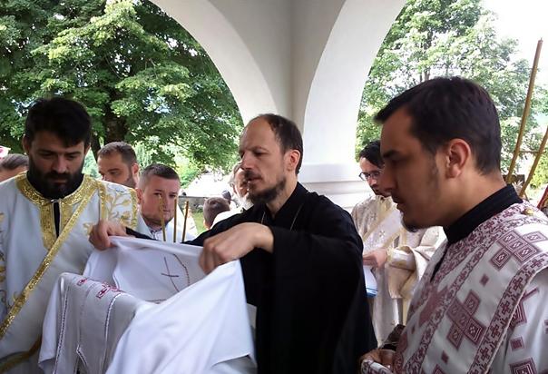 Епископ Димитрије освештао обновљени храм у Борцима: ДАНАС ЈЕ ДОБРО ПОБИЈЕДИЛО ЗЛО