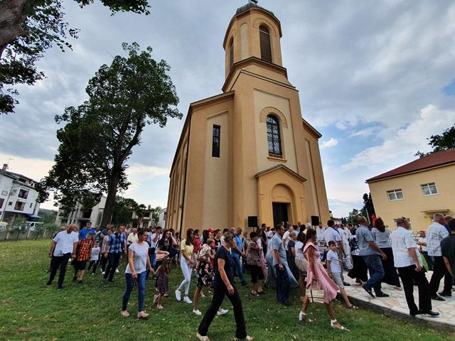 Владике Димитрије и Григорије освештали саборни храм у Чапљини