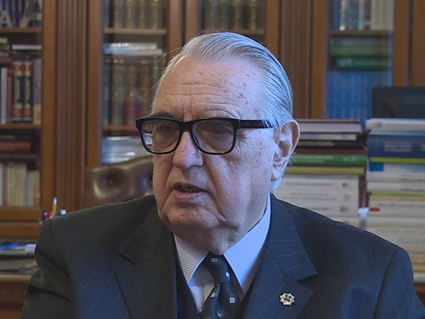 Кузмановић: Симболе усвојити у пакету уставних промјена