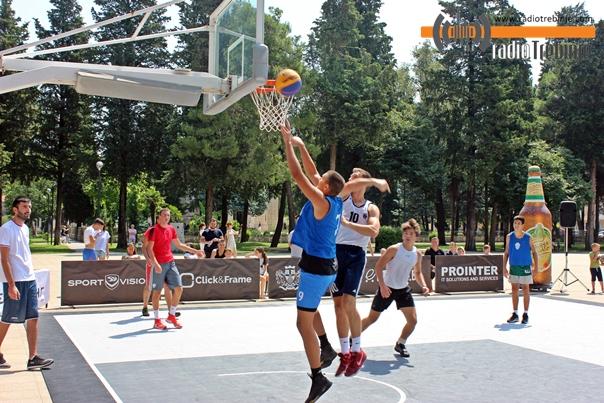 Почео турнир у уличном баскету