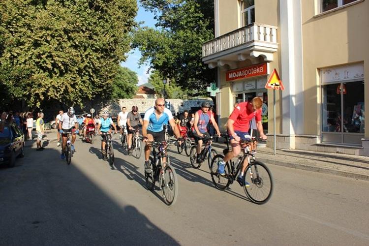 Бициклисти настављају традицију