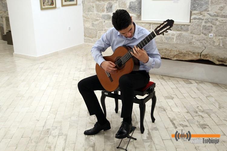 Никола Јелачић одржао концерт класичне гитаре