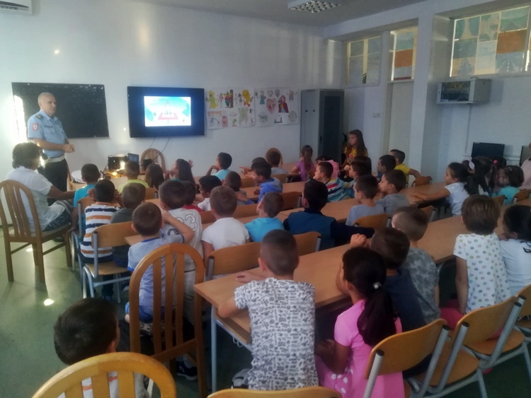 У школи у Горици одржано предавање о саобраћајним правилима