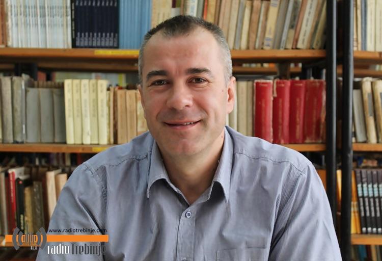 Krstoljub Kojović koordinator praktične nastave izvan škole, ovo su časna i perspektivna zanimanja.JPG (117 KB)