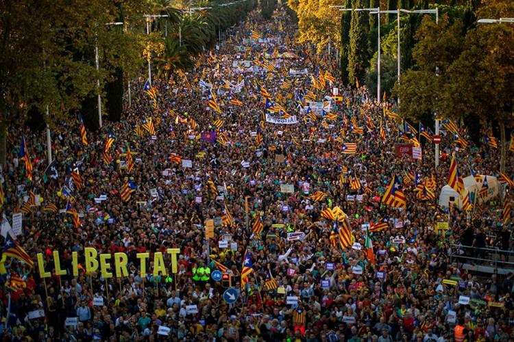 Stotine hiljada demonstranata u Barseloni