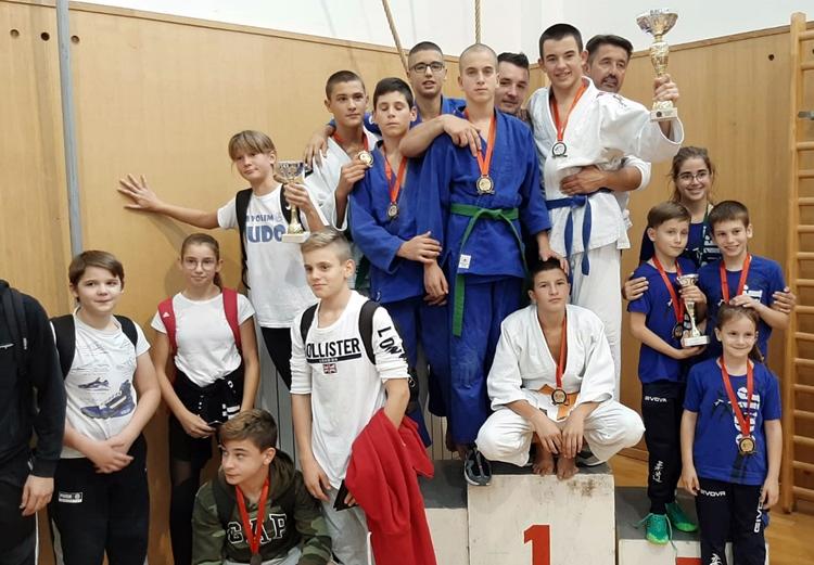 """Џудо клуб """"Леотар"""" најбоља кадетска екипа на турниру у Дубровнику"""