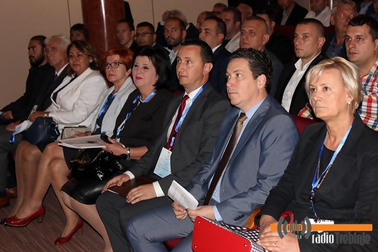 konferencija-klimatske-promjene-3.JPG (138 KB)