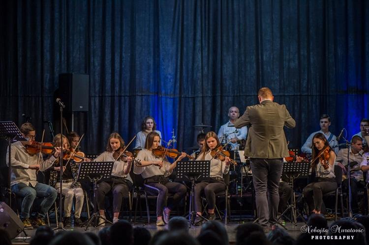 orkestar-gimnazije-pero-bokic-1.JPG (138 KB)