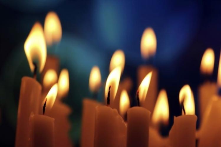 sveće.jpg (80 KB)