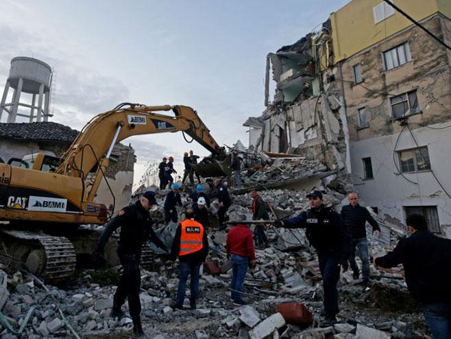 Албанија: Број погинулих порастао на 35