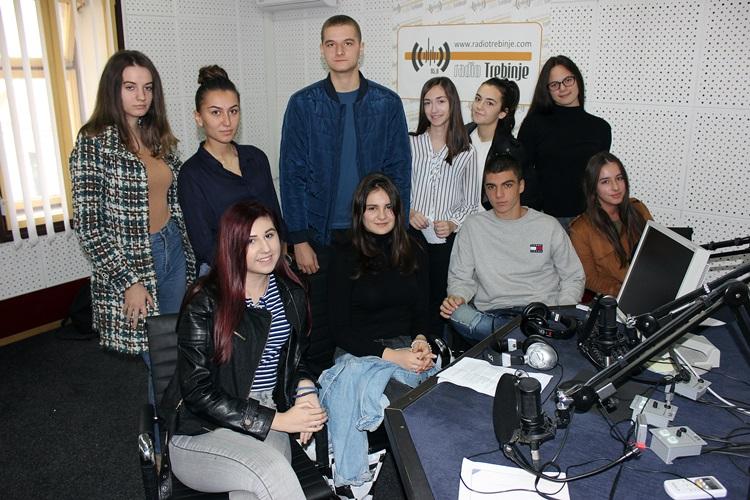 ШКОЛСКИ ЧАС: Ученици Центра средњих школа о климатским промјенама (АУДИО)