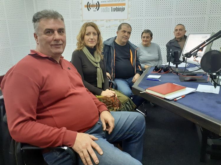 Тема Јутра: Завршетак реконструкције уређења постојећег игралишта у насељу Бањевци (Aудио)