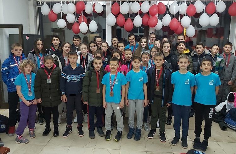 Medalje za trebinjske plivače na Božićnom kupu u Mostaru
