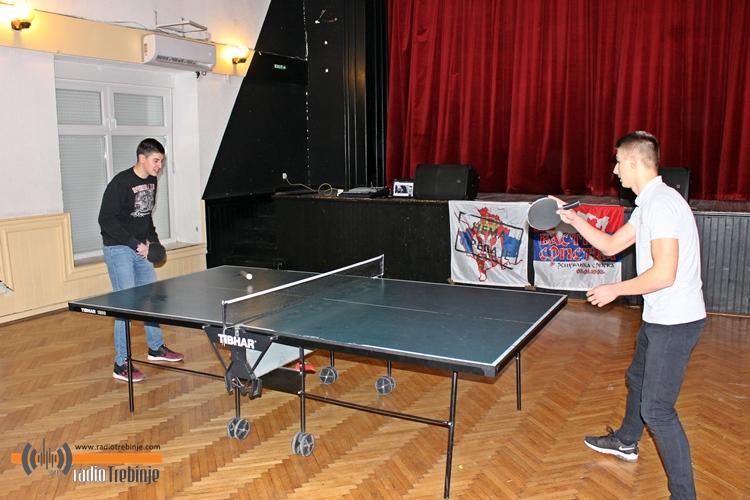 Хуманитарни турнир у стоном тенису и