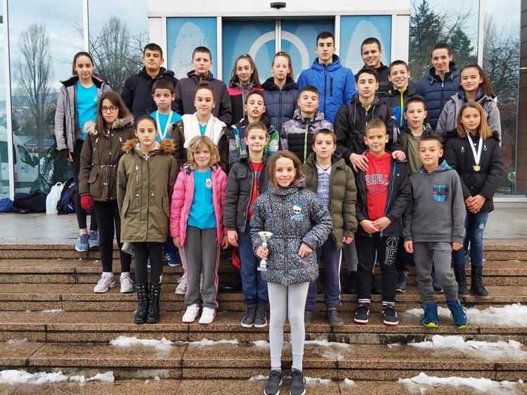 """Пливачи ПВK """"Леотар"""" освојили пехар и 19 медаља у Сарајеву"""