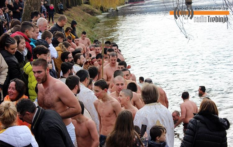 plivanje-bogojavljenje-7.JPG (244 KB)