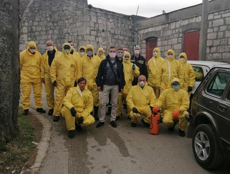 Почела нова дезинфекција стамбених зграда у Требињу