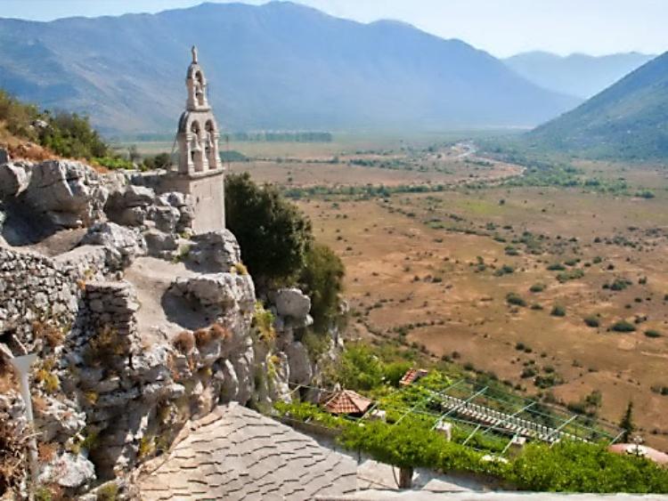 Iguman manastira Zavala: Važno je da poslušamo episkopa