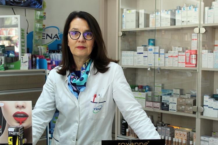 U jednoj od svojih apoteka - posao radim odgovorno i s ljubavlju.JPG (178 KB)