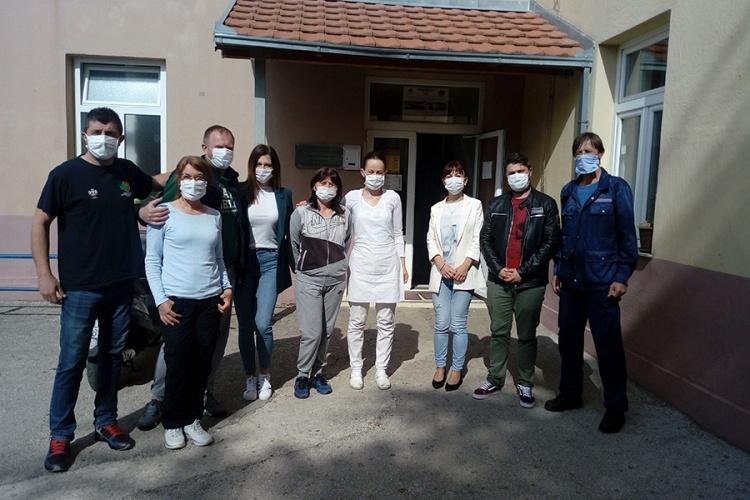 zdravstveni-radnici-civilna-zastita-i-zaposleni-u-karantinu-foto-d.colovic.jpg (156 KB)