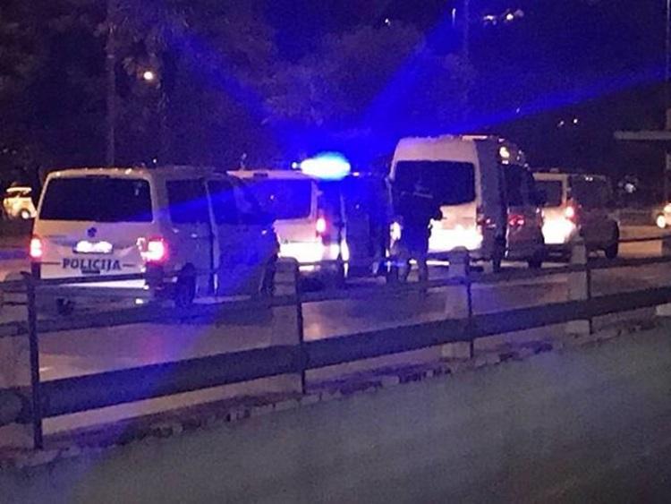 Подгорица: Полиција ушла у Саборни храм, протојереја одбранио народ