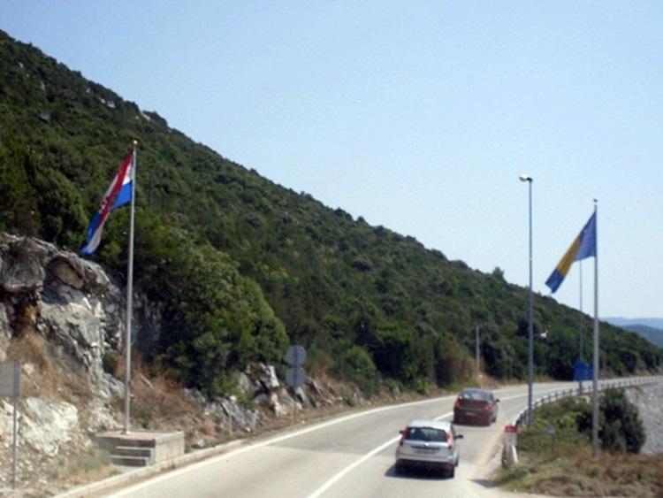 Омогућен улазак у Хрватску уз одређене услове