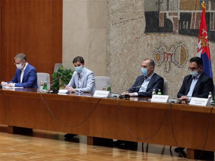 У Србији заражене још 242 особе, четворо преминулих