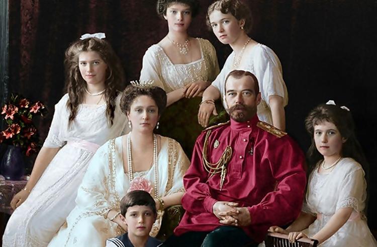Прије 102 године - Цијела руска царска породица нестала је у ноћи, а тијела су им закопана у шуми
