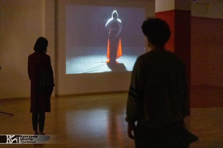 """Отворена изложба """"Удах"""" у Културном центру"""