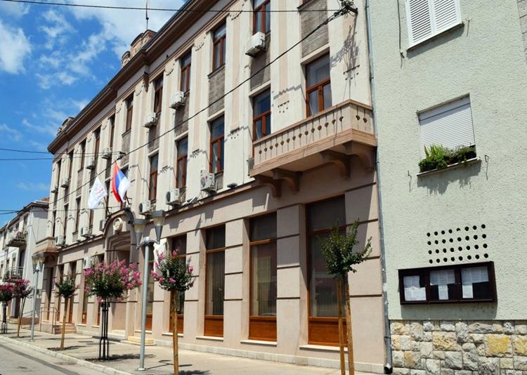 grad-Trebinje-1024x729-1.jpg (239 KB)