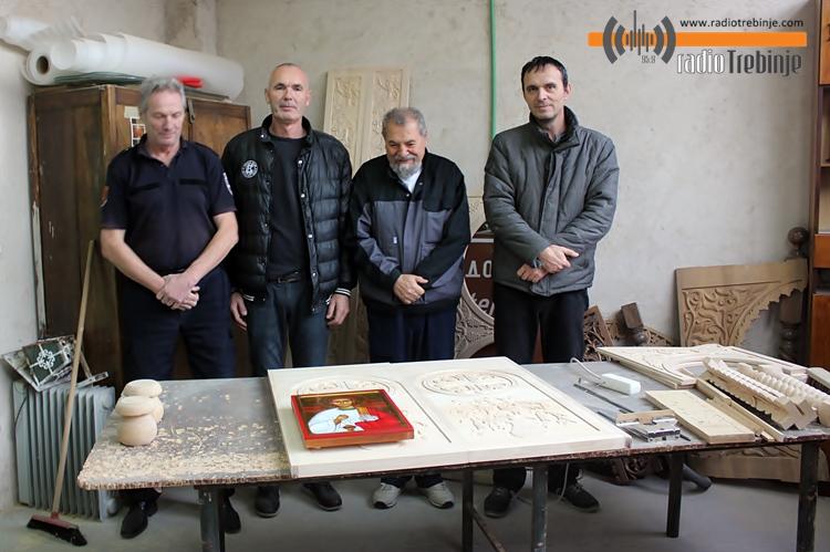 Stolarsko-duborezačka radionica Manastira Tvrdoš - RADOVI TREBINJSKIH MAJSTORA NA SVIM KONTINENTIMA (FOTO/AUDIO)